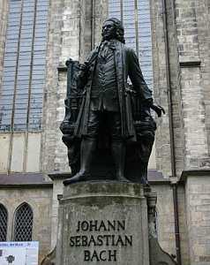 Памятник Иоганну Себастьяну Баху в Лейпциге