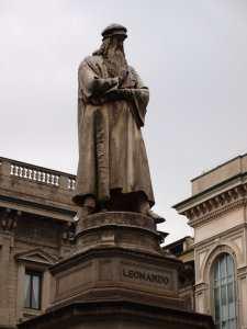 Памятник Леонардо да Винчи. Милан, Италия