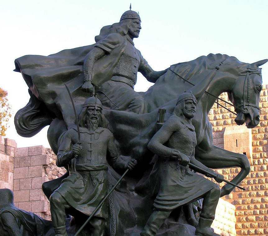 Памятник Саладину