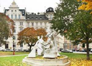 Памятник Антонио Вивальди