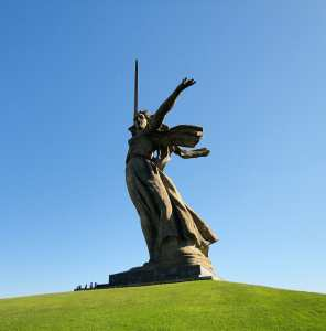Монумент «Родина-Мать» в Волгограде