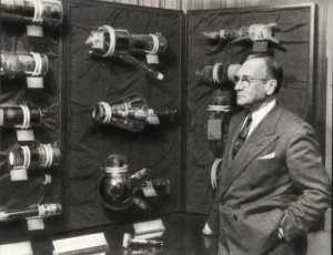 Зворыкин на выставке своих приборов